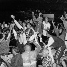 Atleti e tifosi dell'Ovo Sodo scatenati: hanno appena vinto la Barontini 1996.