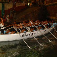 Passaggio sotto il ponte alla Coppa Barontini del 2003.