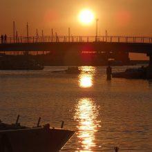 Livorno, Darsena Nuova, tramonto sul ponte girevole.