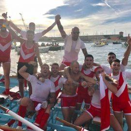 Il Venezia festeggia la vittoria della Coppa Barontini 2017